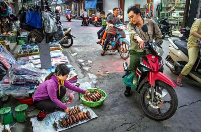 Thịt chuột thường được bán ngoài chợ. Chúng là mồi nhậu khi uống bia hay rượu. Ảnh chụp màn hình
