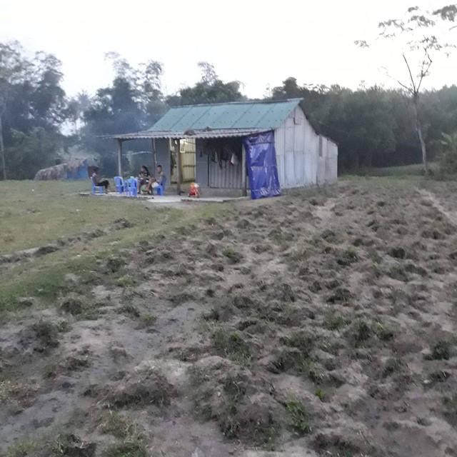 Căn nhà nhỏ đơn sơ của anh Trần Văn Cương và chị Nguyễn Thị Cuối