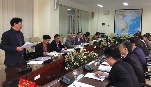 PGS.TS Lương Ngọc Khuê đề nghị Viện Sốt rét xem xét đề xuất bổ sung, cập nhật các hướng dẫn điều trị bệnh giun sán, bệnh ký sinh trùng bị lãng quên