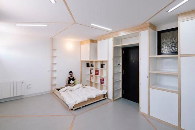 Nhà rộng 25m2 vẫn có đầy đủ phòng sinh hoạt kèm theo một phòng tập thể dục là điều khó tin nhưng hoàn toàn có thật. Với những bức tường có thể di chuyển và biến đổi, ngôi nhà nhỏ ở Tây Ban Nha này vẫn có thể đầy đủ tiện nghi như các căn hộ cỡ lớn.