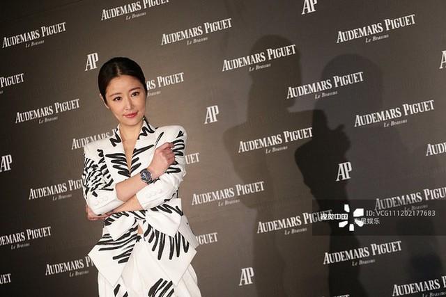 Lâm Tâm Như xuất hiện xinh đẹp rạng ngời trong một sự kiện tại Hong Kong.