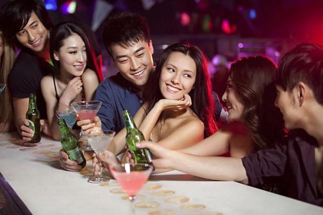 Tôi chết sững gặp chồng và Oanh trong quán bar (ảnh minh họa: I.T)