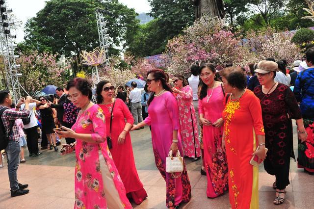 Lễ hội hoa anh đào Nhật Bản - Hà Nội năm 2019 diễn ra đến hết ngày 31/3.