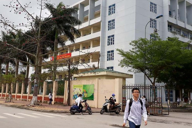 Trường THPT Chuyên Thái Bình nơi thầy N.Đ.T công tác.