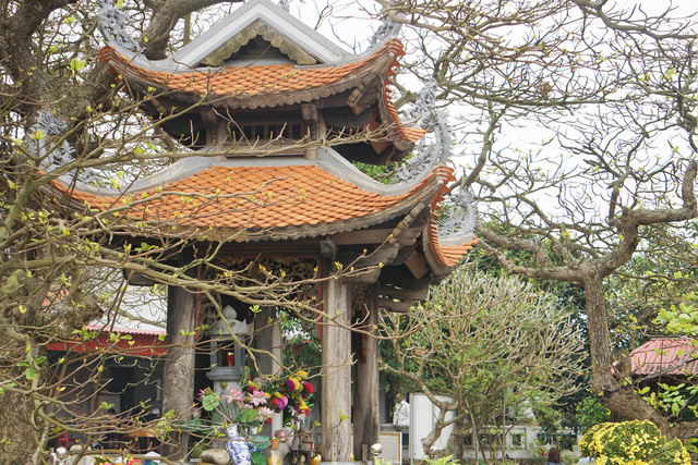Lăng mộ Đức Nam Hải Thần Vương trên đảo Dấu hiện nay. Ảnh: ML