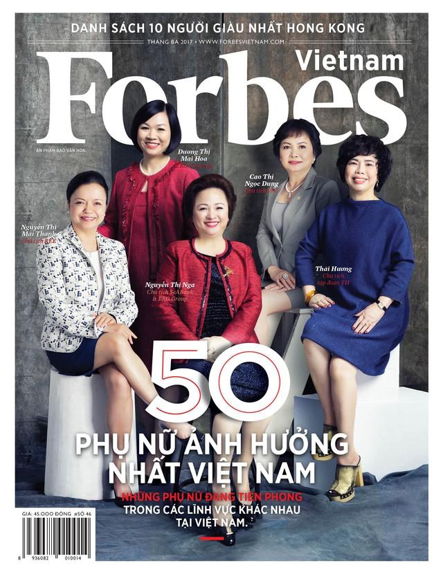 Bà Nguyễn Thị Nga, Chủ tịch HĐQT Tập đoàn BRG (áo đỏ, ngồi ở giữa) là một trong 50 Phụ nữ ảnh hưởng nhất Việt Nam năm 2019.