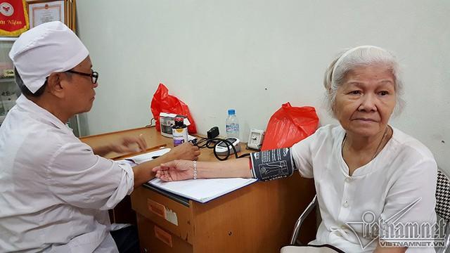 Chính thức công nhận giảng viên là bác sĩ chuyên khoa II tương đương tiến sĩ (Ảnh: VietNamNet)