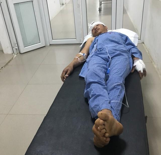 Nạn nhân vẫn đang được điều trị tại bệnh viện.