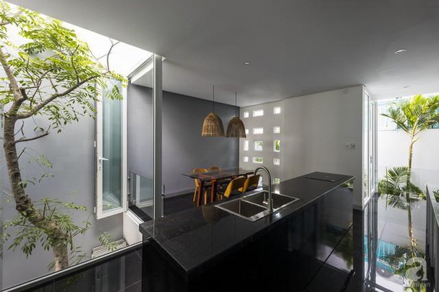 Góc bếp được thiết kế trên tầng.