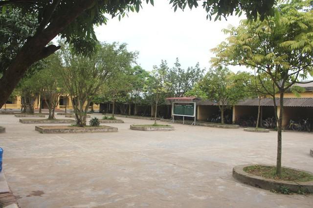 Vị trí tại sân trường THCS Văn Tố, địa điểm tổ chức môn học Thể dục vào sáng 8/4. Ảnh: Đ.Tùy
