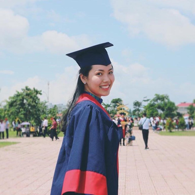Trúc Mai còn có thành tích học tập đáng nể. Cô đạt thủ khoa đầu vào ngành kinh doanh quốc tế trường đại học Cần Thơ và nằm trong top 3 thí sinh có số điểm cao nhất khoa Dược năm 2014. Ngoài ra, 9X còn tích cực tham gia các hoạt động xã hội. Năm 2016, cô được Trung ương Đoàn trao bằng khen vì những đóng góp tích cực trong các phong trào.