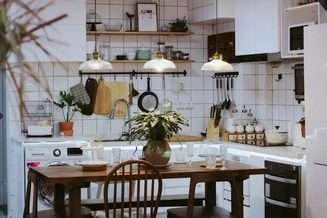 Phòng bếp nhỏ xinh.
