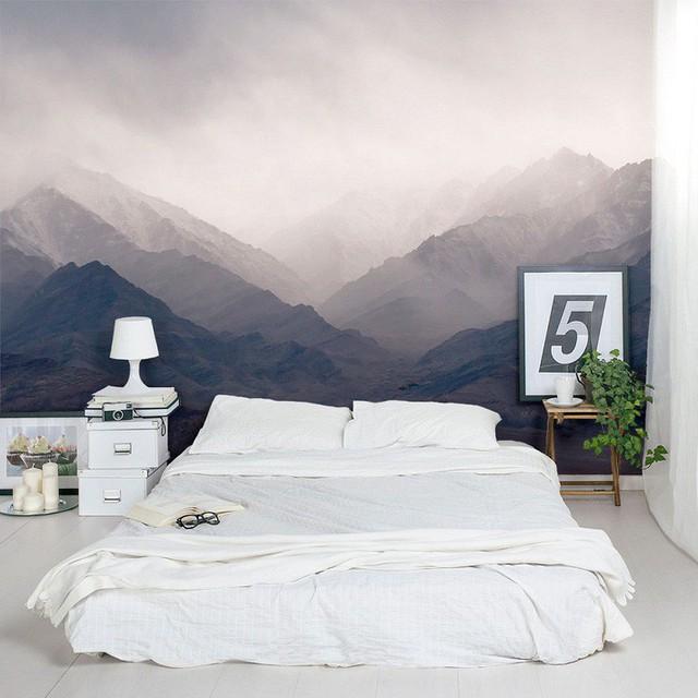 6. Vẻ hùng vĩ của thiên nhiên sông núi cũng khiến căn phòng chật hẹp bỗng trông rộng lớn hẳn.