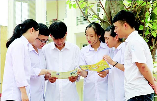 CLB DS-SKSS giúp vị thành niên, thanh niên tiếp cận được nhiều thông tin và kiến thức hữu ích về sức khỏe sinh sản. Ảnh: B.G