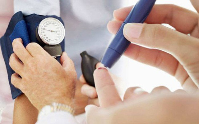 Tiểu tiện nhiều lần cũng có thể bắt nguồn từ bệnh tiểu đường.