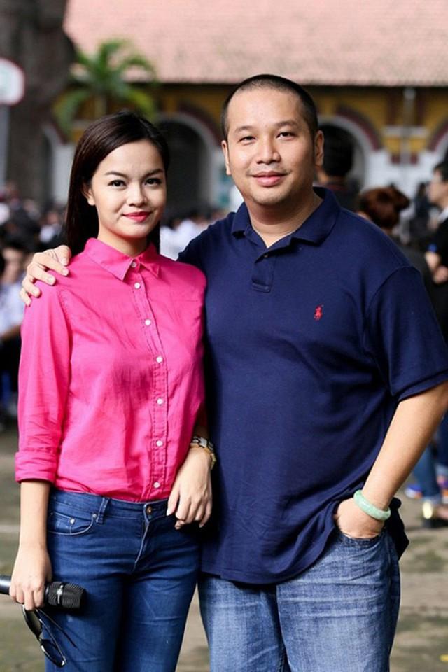Nữ ca sĩ Phạm Quỳnh Anh và ông bầu Quang Huy có gần 20 năm gắn bó bên nhau từ thời yêu đến lúc cưới. Có với nhau 2 người con nhưng rồi cả hai không giải quyết được những mâu thuẫn, dẫn đến chia tay. Sau ly hôn, cả hai vẫn giữ mối quan hệ tôn trọng nhau. Trong tiệc sinh nhật con, hai người hội ngộ để tổ chức ngày vui cho con.