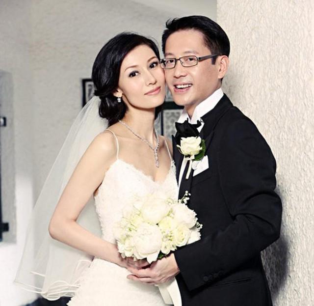 Hứa Tân Hanh đã kết hôn với Hoa hậu Lý Gia Hân vào năm 2009