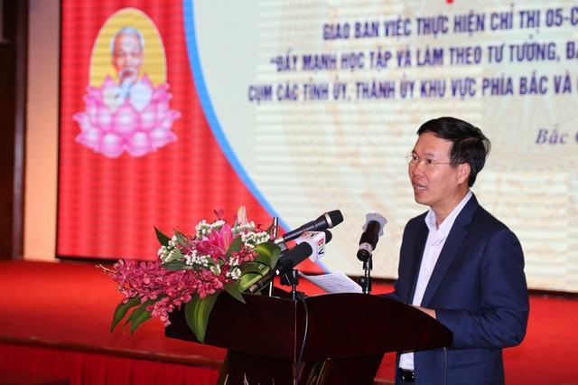 Đồng chí Võ Văn Thưởng phát biểu kết luận hội nghị