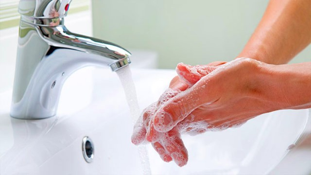 Giữ đôi bàn tay luôn sạch để trao yêu thương, bảo vệ sức khỏe cho mình, người thân và cộng đồng.