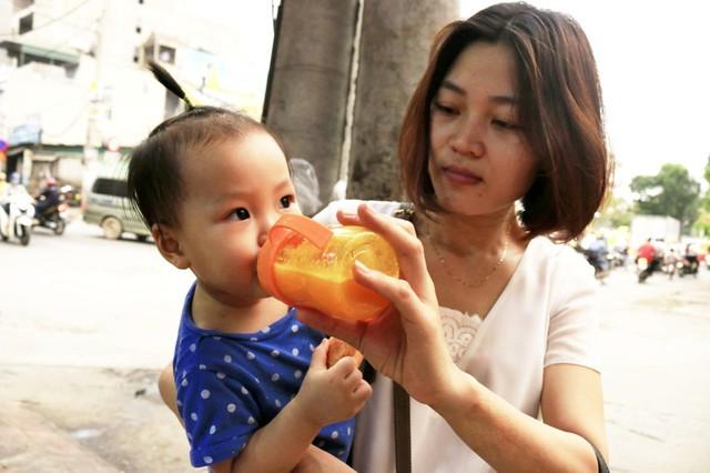 Nước ép dứa được nhiều bà mẹ bỉm sữa và em nhỏ yêu thích