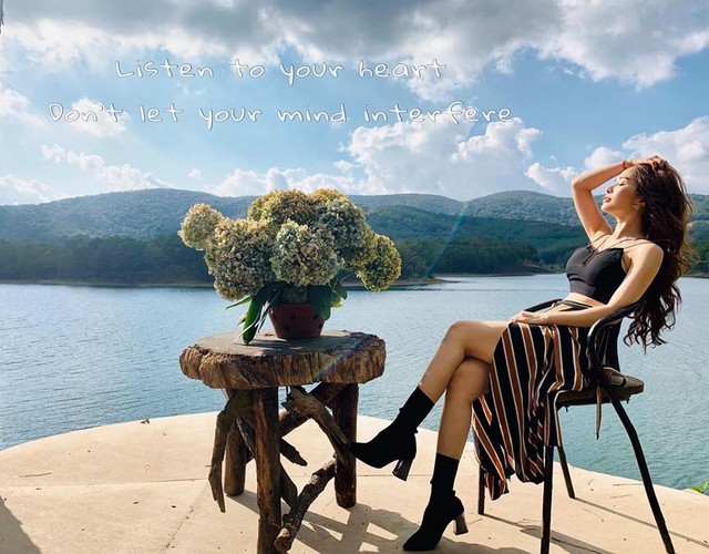Quỳnh Nga chia sẻ hiện tại cô đã quen với cuộc sống độc thân và dành thời gian đi du lịch, chăm sóc bản thân cũng như chuẩn bị cho các dự án nghệ thuật sắp tới