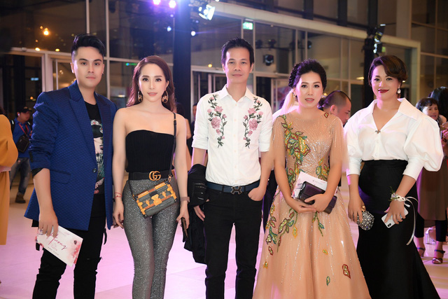 Quỳnh Nga tái ngộ nhiều nghệ sĩ trong sự kiện mới đây