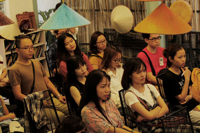 Sự kiện nhận được sự quan tâm của nhiều người, đặc biệt là giới trẻ. Được tổ chức từ 14h chiều ngày 22/4 tại số 131 Yên Hòa (Cầu Giấy, Hà Nội), nhưng nhiều bạn trẻ đã đến từ rất sớm.
