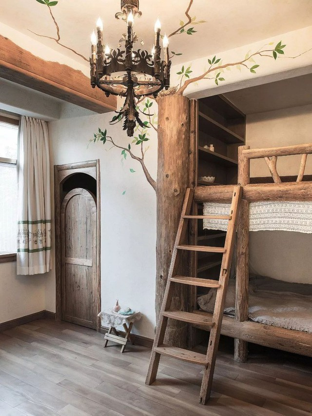 Phòng ngủ của hai con được bố trí sinh động.