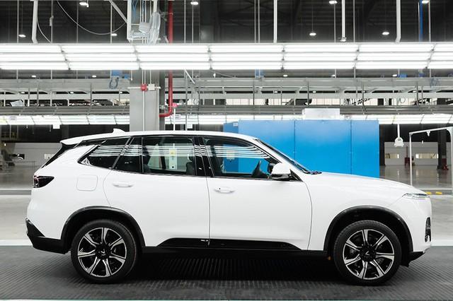 Nhà máy sản xuất ô tô VinFast sẽ chính thức khai trương vào tháng 6 và dự kiến những chiếc xe đầu tiên sẽ được bàn giao cho khách hàng trong tháng 7.