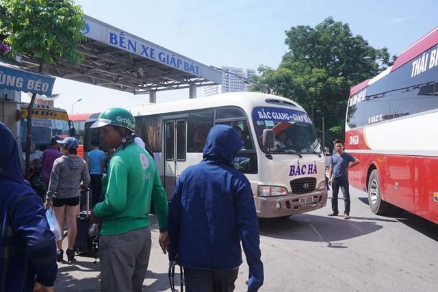 Các bến xe đã sẵn sàng phương tiện phục vụ hành khách trong dịp nghỉ lễ 30/4 – 1/5. Ảnh: PV