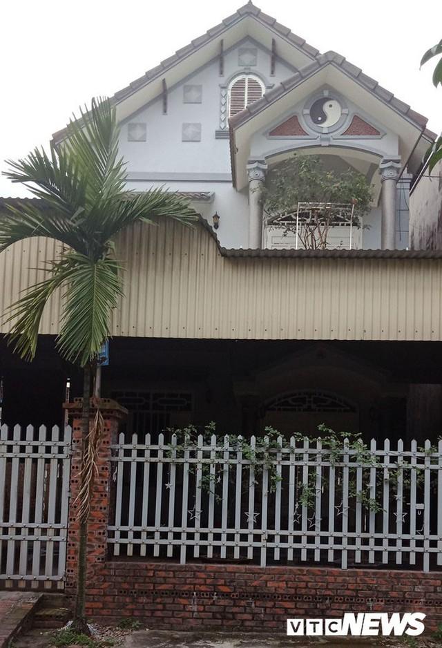 Ngôi nhà đầu tiên Đỗ Đức Lân xây dựng khi về đây sinh sống, nay đã phải bán đi để trả nợ. Ảnh: VTC