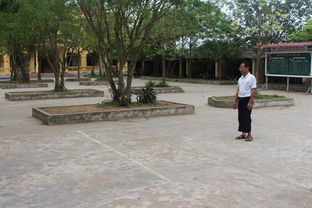 Vị trí khu vực xảy ra sự việc thuộc sân phía trước trường THCS Văn Tố. Ảnh: Đ.Tùy