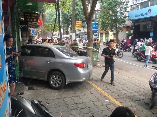 Rất may vụ tai nạn không có thương tích cho người dân.