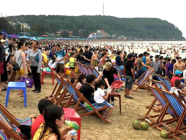Hải Phòng, Quảng Ninh mở cửa biển trở lại - Ảnh 4.