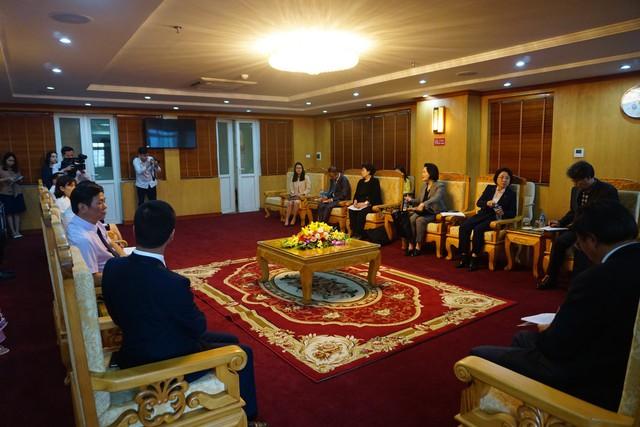 Toàn cảnh buổi tiếp đón đoàn Đại biểu Quốc hội Hàn Quốc