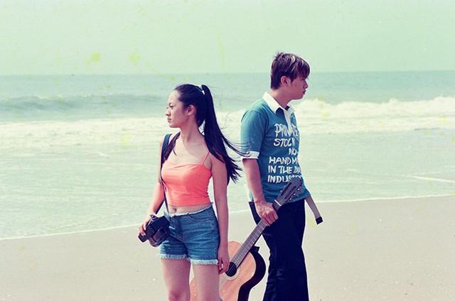 Đạo diễn Vũ Ngọc Đãng cho biết đây là những bức hình được chụp khi quay MV đầu tiên của Hàn Thái Tú (khoảng năm 2003). MV này Thanh Thúy đóng nữ chính. Lúc này cô 21 tuổi.