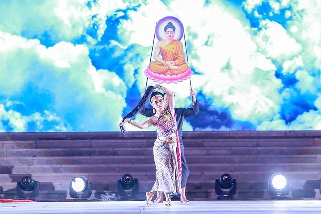Tiết mục The Defeat of Mara do đoàn nghệ thuật biểu diễn Bộ Văn hóa Thái Lan.