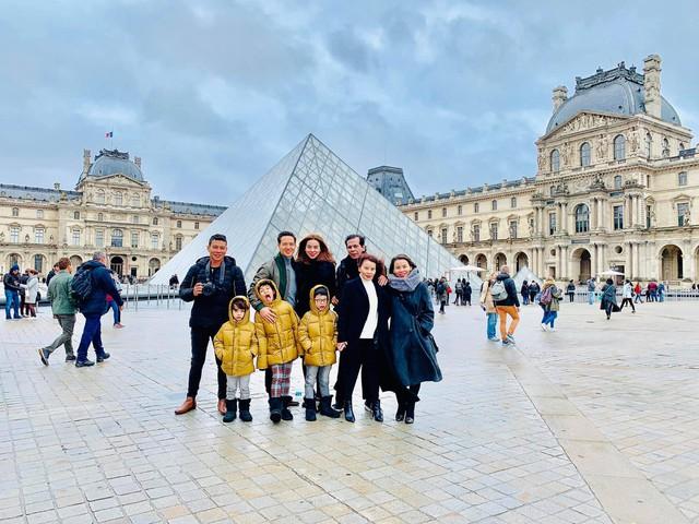 du lịch cùng gia đình thì ở đâu có Hà Hồ là có Kim Lý