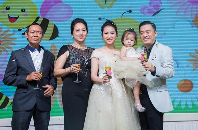 Tổ ấm hạnh phúc của Lam Trường và Yến Phương.