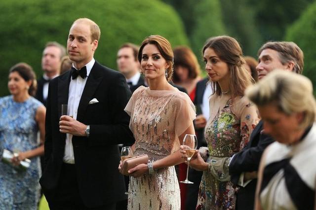 Công nương Kate và bạn thân nhất không còn nhìn thấy qua lại với nhau.
