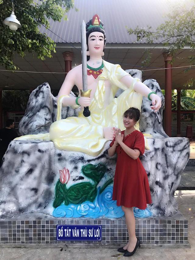 Những bức ảnh thon gọn của Phi Thanh Vân mới đăng tải trên Facebook
