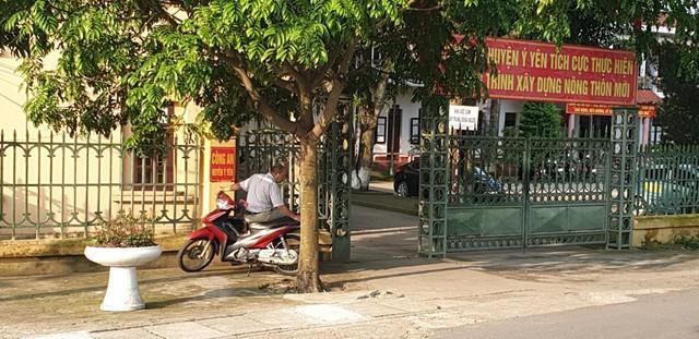 Công an Huyện Ý Yên đang tiếp tục điều tra và hoàn thiện hồ sơ vụ án, tuy nhiên Cơ quan này từ chối tiết lộ danh tính 7 đối tượng côn đồ hành hung vợ chồng anh Văn.