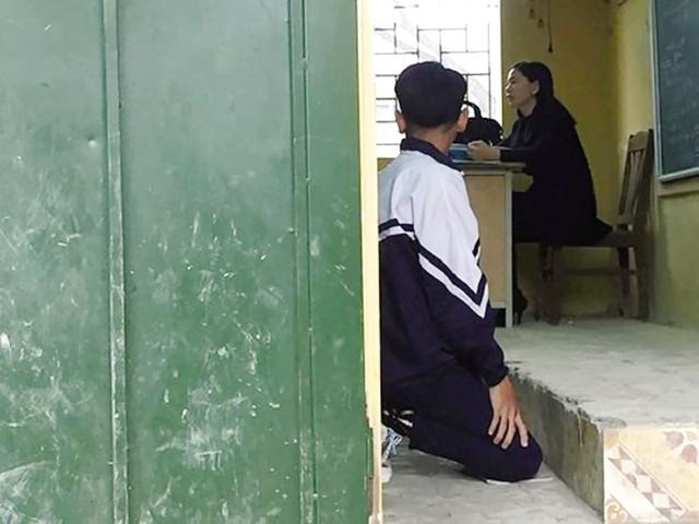 Hình ảnh nam sinh lớp 9B, Trường THCS Tô Hiệu (Thường Tín, Hà Nội) trở thành đề tài tranh luận trên mạng xã hội trong những ngày qua. Ảnh: TL