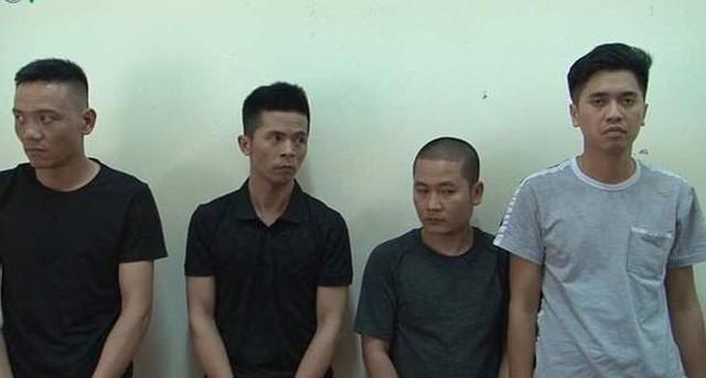 Nhóm thanh niên nam tại cơ quan công an .Ảnh: D.Linh