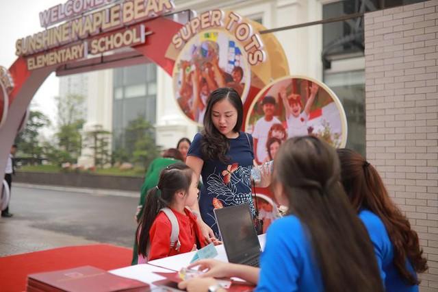 Sự kiện ra mắt Trường Tiểu học Quốc tế Sunshine Maple Bear thu hút của gần 500 phụ huynh và học sinh trên địa bàn Hà Nội