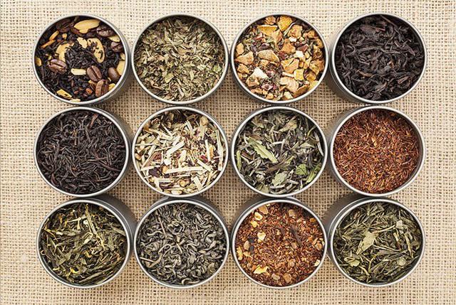 Thảo dược khô mang mùi hương dịu nhẹ cho không gian.