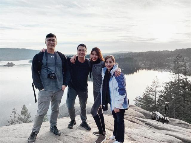 Lan Khuê cùng gia đình nhà chồng sang Vancouver, Canada vào tháng 1/2019.