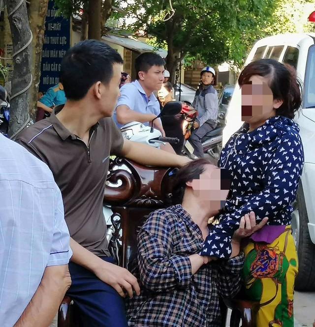 Người thân đau đớn khi biết hung tin, kẻ sát hại chồng, cha mình lại chính là đứa con họ đứt ruột đẻ ra