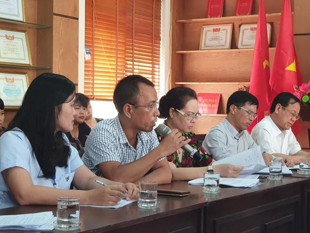 Ông Hoàng Văn Hải - bố học sinh Gia Đức đề nghị cơ quan, ban ngành vào cuộc xử lý nghiêm vụ việc. Ảnh: ML