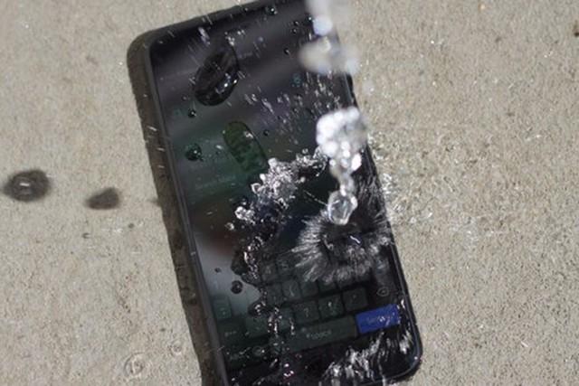 Không chỉ smartphone mà nhiều thiết bị khác cũng nhận được đánh giá IP. ẢNH: NEW ATLAS